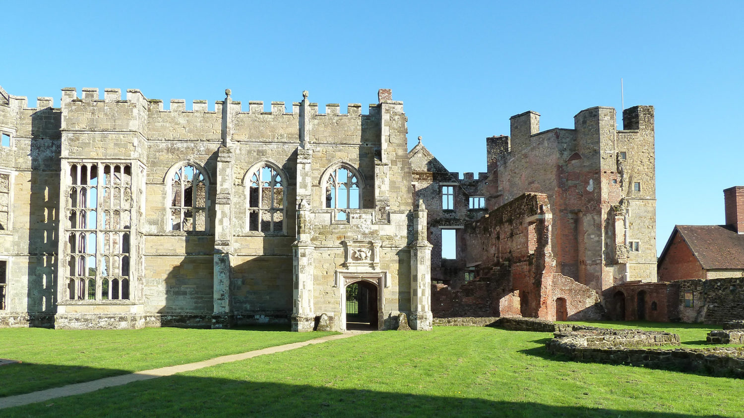 Cowdray House ruins